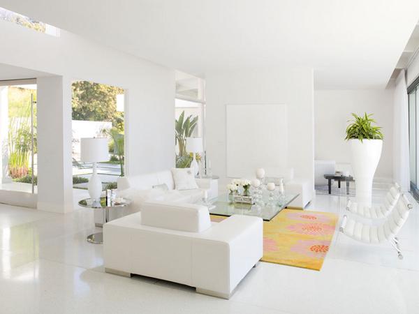 Sắp xếp lại đồ đạc và nội thất trong căn nhà gọn gàng tạo ra được một không gian thoáng mát hơn